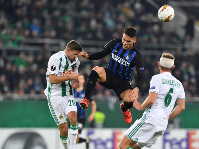 Inter vince di rigore a ViennaSenza Icardi, segna Lautaro Lazio ko in casa col Siviglia  0-1Ora il Napoli a Zurigo: 0-0 Live