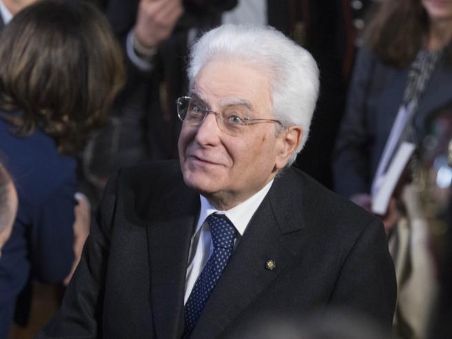 Italia Francia, arriva l'invito di MacronE Mattarella accet