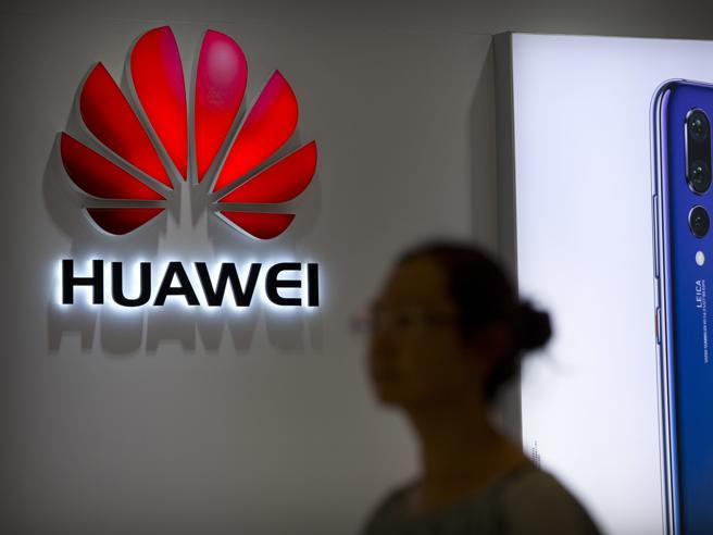 «Da Usa pressioni su Roma per abbandonare Huawei: l'Italia dice no»