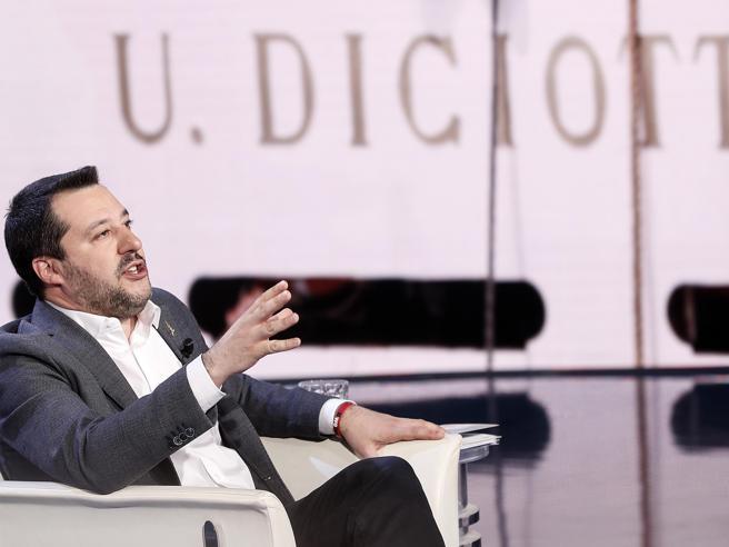 Salvini a processo sì o no, il M5s si affida a voto online