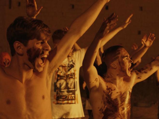 Orso  per  la sceneggiatura a «La paranza dei bambini» a Berlino.     Saviano: «È per le Ong del ...