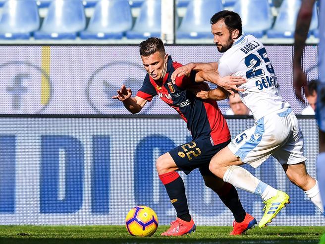 Genoa-Lazio 2-1, Sanabria e Criscito fermano la corsa Champions dei biancocelesti