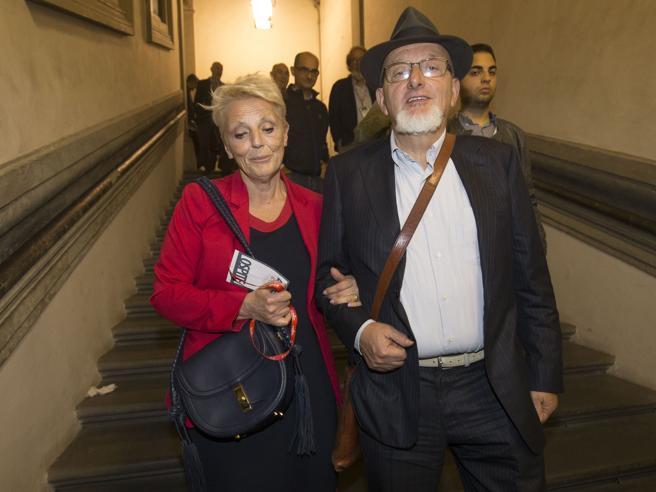 Tiziano Renzi e Laura Bovoli, il papà e la mamma di Matteo Renzi agli arresti domiciliari