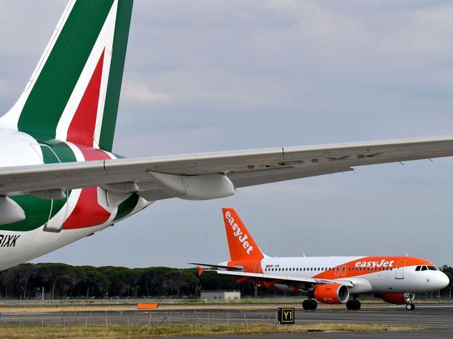 Alitalia, easyJet e Delta vogliono investire 400 milioni di euro
