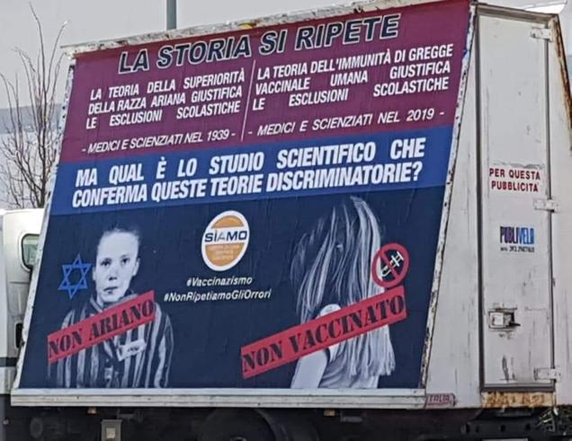 Sui cartelli no-vax i bimbi paragonati agli ebrei vittime della Shoah