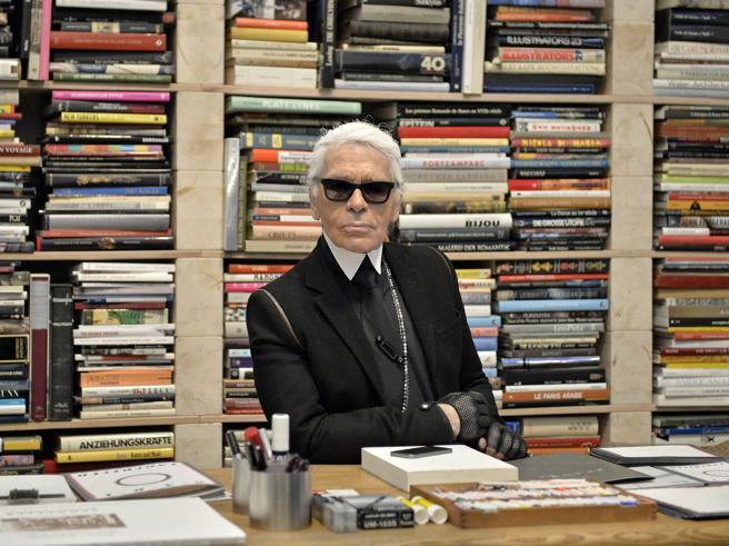 La vera passione di  Lagerfeld? I manoscritti di  Nietzsche e la sua biblioteca da 300mila libri