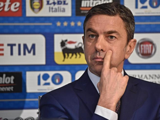 Costacurta e la gaffe: «Ho sbagliato. Milena Bertolinipuò insegnarmi il 4-4-2»