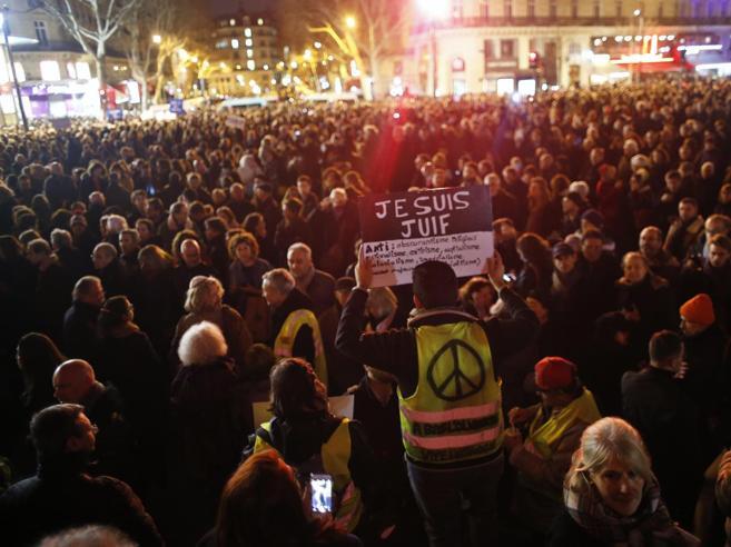L'antisemitismo è di destra o di sinistra? La Francia si divide