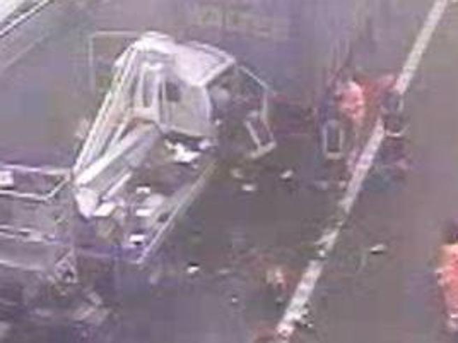 A22, tamponamento a catena per nebbia:  un morto e 20 feriti