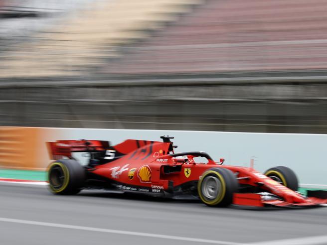 Ecco perché la Ferrari fa paura a tutti, anche se la Mercedes ancora si nasconde