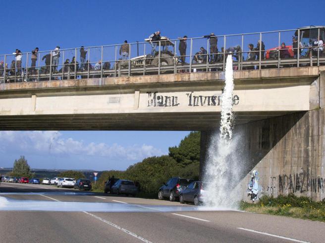 Il voto non ferma la protesta dei pastori in Sardegna: armati assaltano un camionRegionali: al voto fino alle 22