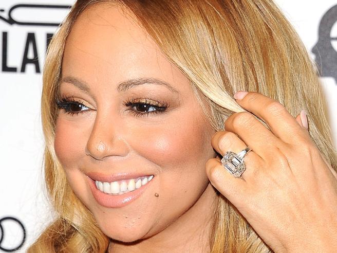 Quando l'anello di fidanzamento delle star è enorme e costoso