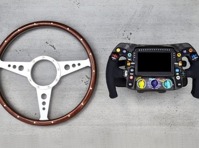 F1, i segreti del volante di Hamilton. Una giungla di tasti e rotelle, ecco come funziona