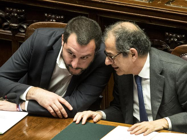 Flat tax, Tria: «Numeri strampalati? Dal Mef nessuna stima». Salvini insiste: riforma va fatta
