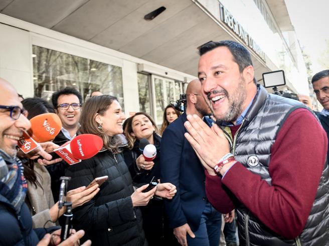 Il sospetto di Salvini sul M5S:c'è una strategia per farci maleDi Maio: sicurezza  a rischio,  basta parlare solo  di barconi