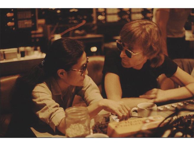John Lennon & Yoko Ono: sposi oggi, 50 anni fa, a Gibilterra