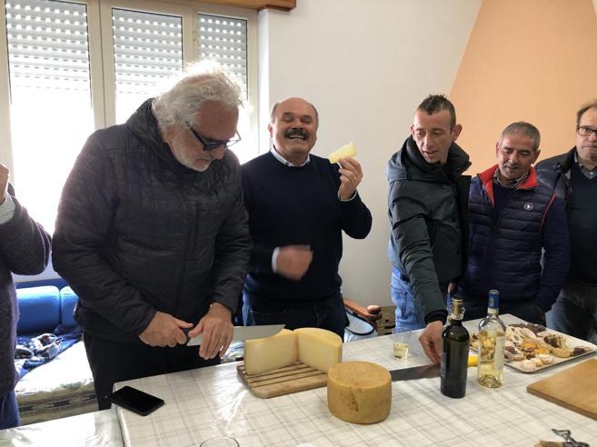Briatore e Farinetti: «Vi aiutiamo a fare business»