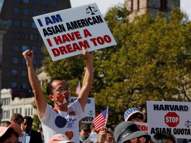 New York, 7 studenti neri su 900 nel liceo pubblico. La nuova élite è asiatica