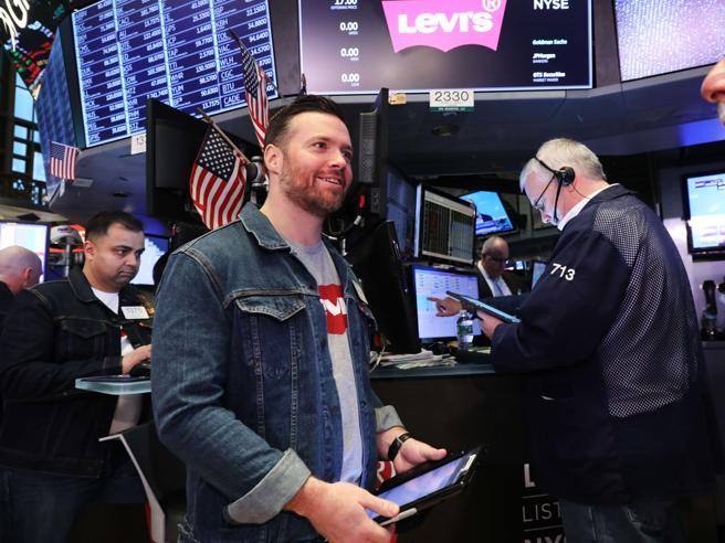 Levi's torna in Borsa, a Wall Street trader in jeans (per un giorno)