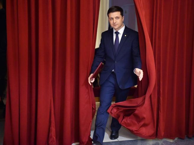 Ucraina, comico in tv e candidato nella realtà: Zelensky in testa
