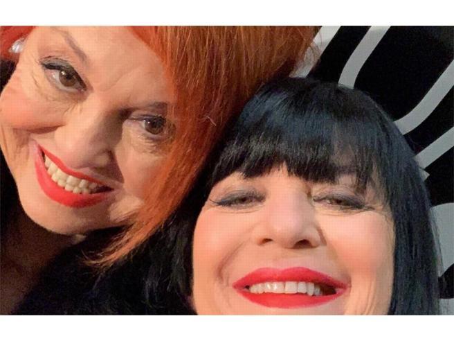 Wanna Marchi e   Stefania Nobile in tv da D'Urso: «Punite per aver venduto sale a dei deficienti», polemiche in studio