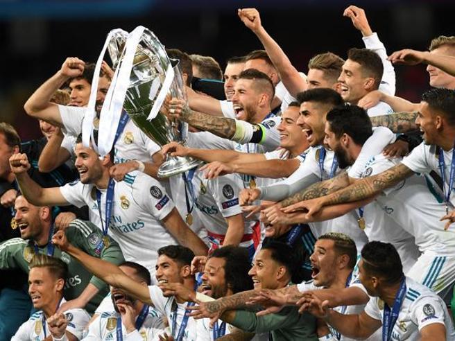 Ecco come sarà il calcio del futuro: extraricco, extralarge e da Nobel per la pace