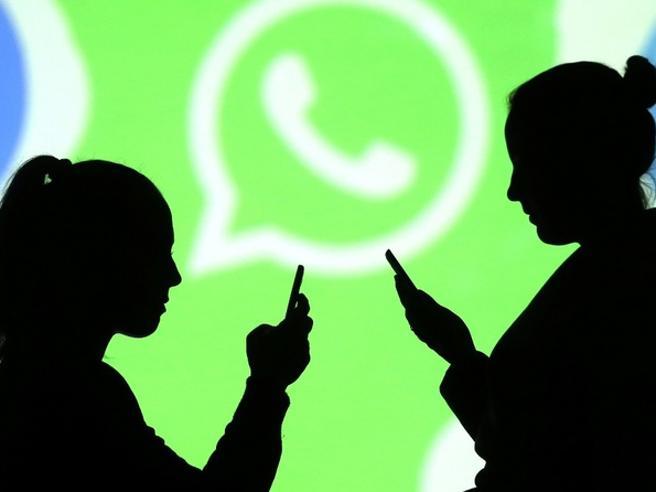 WhatApp vuole farci scoprire l'origine delle foto in chat per combattere le fake news