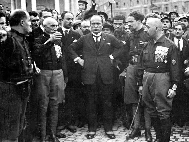 E Mussolini inventಠil fascismo: un libro del «Corriere» 100 anni dopo