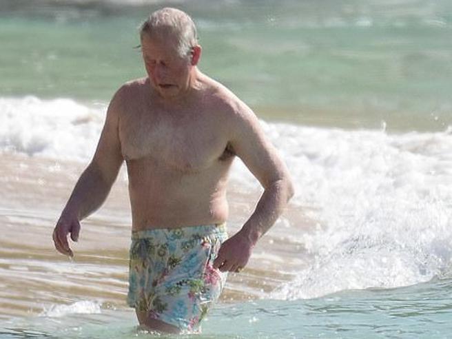 Carlo d'Inghilterra: principe dell'arte del riciclo. Ecco come si puಠessere eleganti e dandy anche dopo i 60 anni