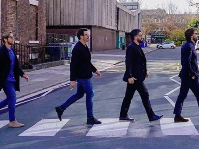 Liverpool: Pirlo, Gattuso, Ambrosini e Oddo giocano sui social a fare i Beatles