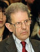Salvatore Settis ha diretto il Getty Research Institute di Los Angeles e la Normale di Pisa. È presidente del Consiglio scientifico del Louvre e Accademico dei Lincei