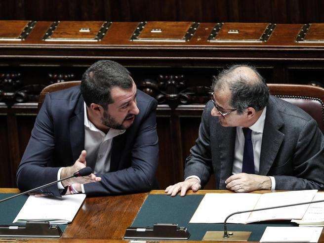 Banche, Salvini incalza Tria: firmi  decreti per  i rimborsi