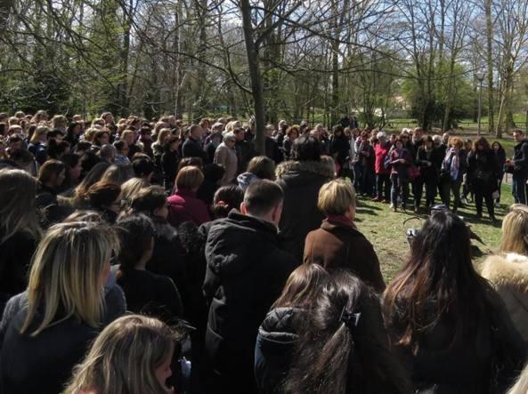 Francia, la rivolta degli insegnanti dopo il suicidio del maestro Jean