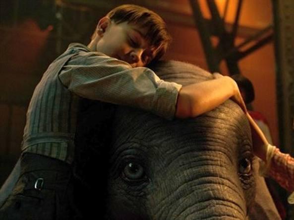 Dumbo prime immagini e ultime novità sul film di tim burton