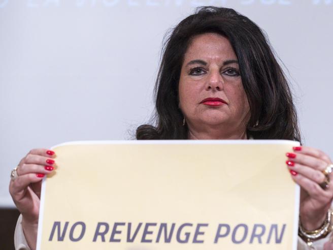 Porn online accompagnatrici feminamorta milano un genova incontri.