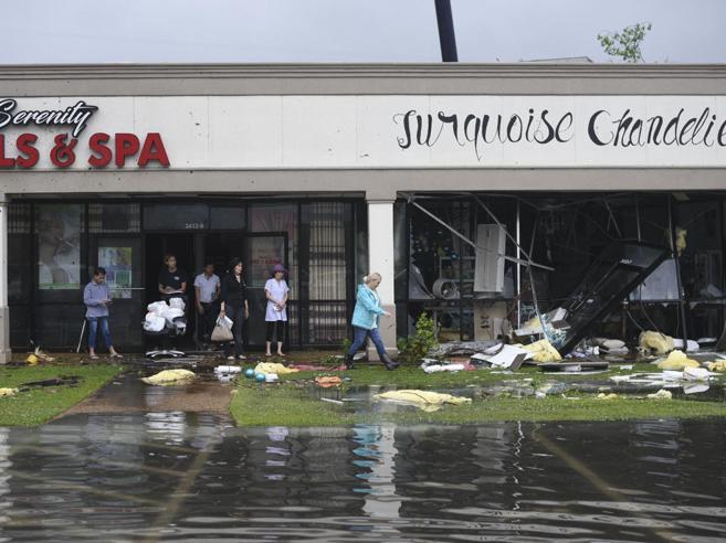 Tornado nel sud degli Stati Uniti Almeno 8 morti, 90mila senza luce