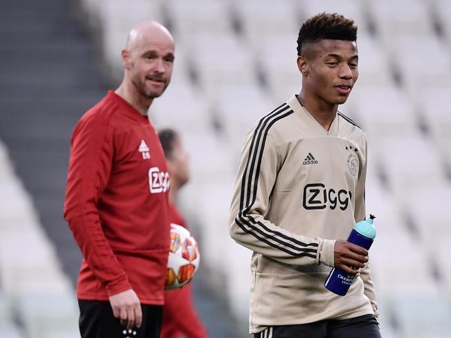 Juve Ajax Ten Hag L Anti Allegri Esalta I Ragazzini Col Calcio