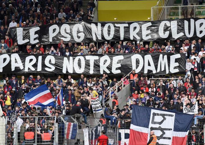 Problemi tecnici per rifare Notre-DameMacron affida i lavori a  un generale
