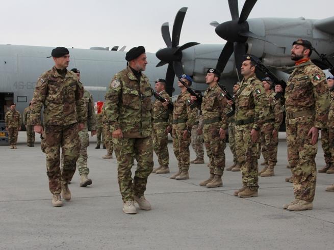 Militari a Salvini: dipendiamo dalla Difesa. Il Viminale: in mare decidiamo noi