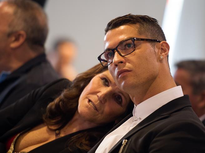 Juve, la mamma di Ronaldo: «Cristiano dice che non può fare miracoli da solo»