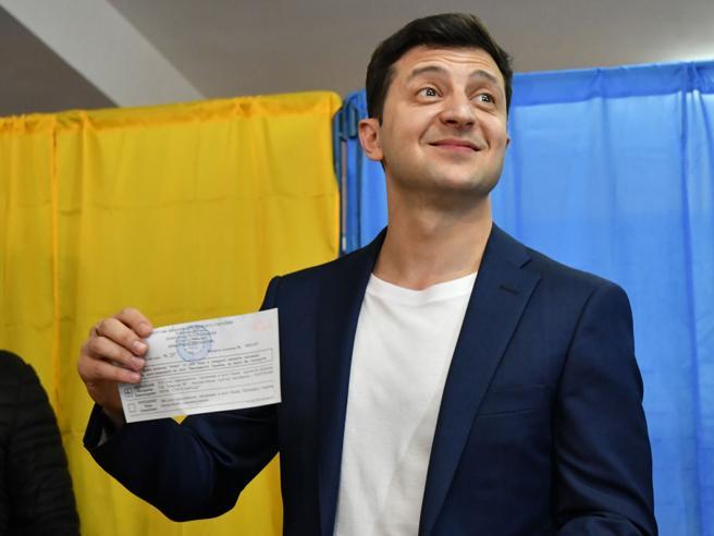 Elezioni Ucraina, exit poll: il comico Zelensky è presidente con il 73% dei voti |   Chi è