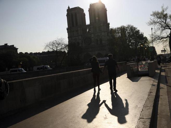 Notre-Dame,  raccolto un  miliardo Coro di critiche ai mecenati