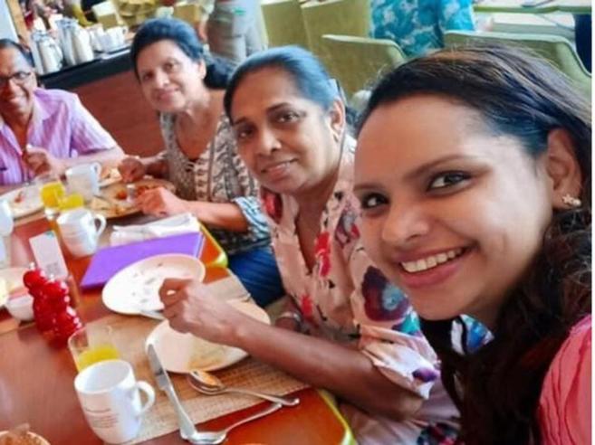 Sri Lanka, tra le vittime una chef della tv: il selfie prima dell'esplosione