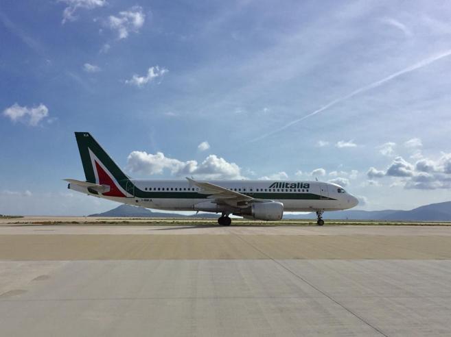 Regina a Linate, assente a Orio: il peso di Alitalia negli aeroporti