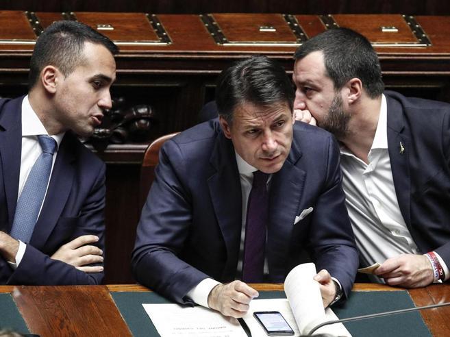 Salvini blinda Siri: Conte non ha chiesto le dimissioni. Il