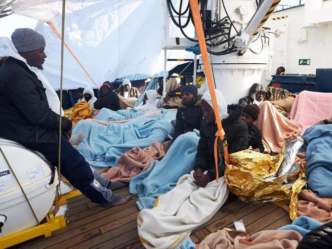 Il rebus dei migranti irregolari in Italia «268mila sono fuggiti in altri paesi Ue»