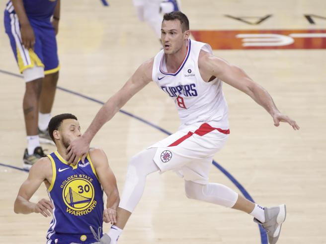 Playoff Nba, Gallinari e i Clippers resistono e portano i Warriors a gara 6