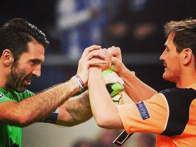 Iker Casillas colpito da un infarto: la solidarietà del mondo del calcio