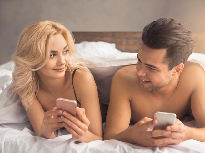 Niente (o poco) sesso, siamo inglesi: la colpa potrebbe essere di internet?