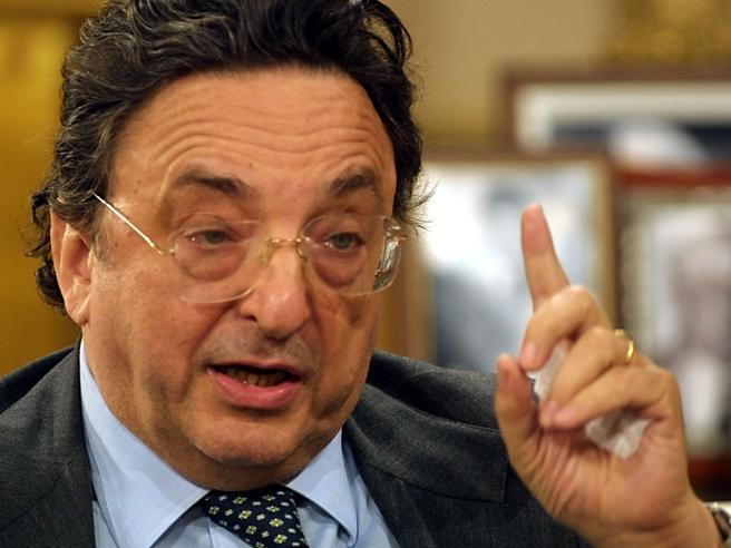 È morto Gianni De Michelis, l'ex  ministro degli Esteri socialista aveva 78 anni